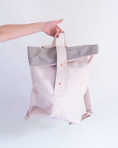 BEAUTIFUL PASTELS // Rucksack von @igou.at handgemacht in Salzburg! #minimal #backpack #handmade Bucket Bag, Tote Bag, Beautiful, Bags, Popup, Minimal, Play, Facebook, Store