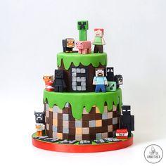 Minecraft Birthday Cake, Minecraft Cake, Cupcakes For Boys, Birthday Cupcakes, 7th Birthday, Cupcakes Fondant, Cupcake Cakes, Friends Cake, Cupcake Flavors