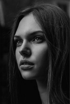 Face Photography, Photography Women, Black And White Portraits, Black And White Photography, Female Portrait, Portrait Art, Mujeres Tattoo, Girl Face Tattoo, Belle Silhouette