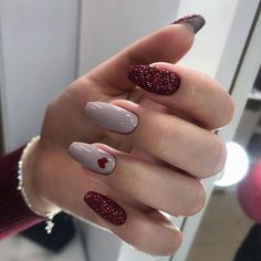 In look for some nail designs and some ideas for your nails? Here is our set of must-try coffin acrylic nails for modern women. Cute Acrylic Nails, Cute Nails, Gel Nails, Nail Polish, Glitter Nails, Manicure And Pedicure, Holiday Nails, Christmas Nails, Heart Nail Designs