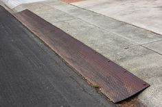 Homemade Curb Ramp Options - Concrete, Steel, and Wood Driveway Ramp, Driveway Apron, Driveway Ideas, Curb Ramp, Garage Stairs, Bbq Grill Set, Diy Gutters, Concrete Driveways, Pavement