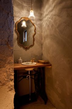 Onico Hair, un bosque encantado en un salón de Osaka donde el peluquero lava cabezas y diseña muebles. | diariodesign.com