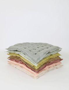 Custom Listing for Nicole Linen Handtack Cushions di ColetteBream