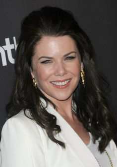 Lauren Graham interview. Love that she mentions Scott and Alexis :)