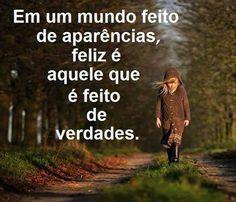 Viver de aparências não traz felicidade https://donaelegancia.wordpress.com/2016/11/19/viver-de-aparencias-nao-traz-felicidade-2/