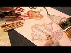 015# BDN Dernière partie de la Boule de Noël (LADENTELLEDELILA.WIFEO.COM) - YouTube Bobbin Lace, Videos, Youtube, Papillons, Embroidery, Youtubers, Bobbin Lacemaking, Youtube Movies