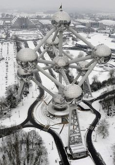 The Atomium in the snow - Brussels.....