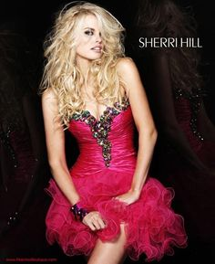 #SherriHill #Dresses 2912 at Peaches Boutique #homecoming