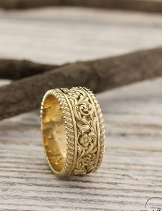 New Pics Unique gold wedding band with flowers and leaves, Unusual nature ring, Filigree gold wedding band, Unique womens wedding band, Gift for her Concepts WEDDING RINGS – THE KNOT STYLE BUCKLE Wedding bands today no longer just have a symbolic meaning. Unique Wedding Bands For Women, Womens Wedding Bands, Wedding Unique, Gold Ring Designs, Gold Bangles Design, Jewelry Design, Gold Rings Jewelry, Wedding Jewelry, Gold Bracelets
