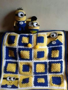 Crochet Baby Perfect for Jonah - Are you on the hunt for a Minion Granny Square Pattern. You will find a Blanket, Repeat Crafter Me Free Pattern plus loads more! Crochet Square Blanket, Crochet Baby Blanket Beginner, Granny Square Crochet Pattern, Crochet Granny, Crochet Crafts, Crochet Yarn, Crochet Projects, Crochet Afghans, Crochet Blankets