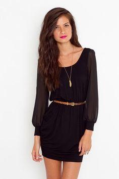 Vestido clásico negro ideal para cóctel y hu ocasión formal
