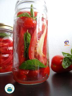 conserva di pomodoro in filetti Canning Pickles, Antipasto, Ketchup, Sauce Recipes, Fresh Rolls, Pesto, Cucumber, Salsa, Buffet