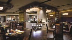+-+Enjoy+Asian+and+Western+delicacies,+served+buffet-style+at+Flavorz,+the+all-day+dining+establishment+at+The+Ritz-Carlton,+Shenzhen.