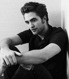 L'acteur Robert Pattinson est Edward Cullen