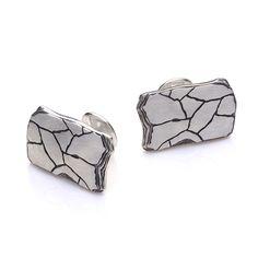 Esquarders Black Slate Large Cufflinks #esquarders #esquardersworld #blackslate #jewellery #handcraftedjewellery #man #mensfashion #manonly #manlifestyle #mensjewelry #manworld #adventure #silver #ring #cufflinks #pendant #bracelet #brutal #estoniandesign #giftsforhim #giftsformen #mensgifts