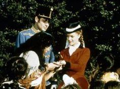 Romy Schneider as Empress Elisabeth 'Sissi' of Austria in Sissi 3 Hungarian gypsy hand reading Romy Schneider, Sissi Film, Historical Clothing, Titanic, Costume Design, Austria, Famous People, Documentaries, Musicals