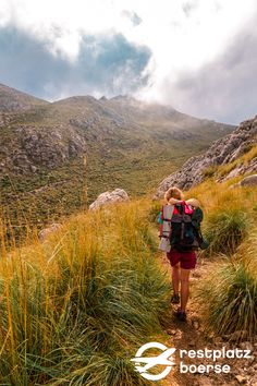 Mallorca bietet auch super Möglichkeiten wandern zu gehen! Hierbei ist es egal ob Süden, Westen oder Norden, Mallorca bietet ihnen einige schöne Wanderrouten.  #Tipps #Reisetipps #Urlaub #Spain #Reisen #Wandern #Buchten #Berge Hotels, Strand, Super, Mountains, Nature, Travel, Art, Bays, Family Vacations