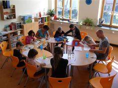 Im Jahr 2008 förderte die Fernsehlotterie die Sanierung eines Erziehungs- und Bildungszentrums der Märkischen Kita in Cottbus, Brandenburg, mit 350.000,- Euro. Für die weitere Ausstattung bekam das Projekt 2011 eine erneute Förderung von 23.593,- Euro.