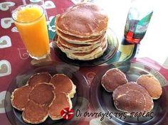 Τα pancakes είναι κάτι σαν τηγανίτες στο πιο αφράτο τους. Στην αγορά κυκλοφορεί ειδικό σιρόπι (maple syrup) με το οποίο μπορείτε να τις περιχύσετε. Αλλιώς λίγο μέλι με κανέλα θα κάνουν τη δουλειά. Είναι πολύ νόστιμο και θρεπτικό πρωινό.