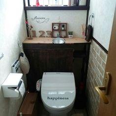 トイレタンクを隠して収納力もUP♪DIYアイデア10選 | RoomClip mag | 暮らしとインテリアのwebマガジン Diy And Crafts, Bathroom, Interior, House, Design, Rest Room, Toilets, Decor Ideas, Rooms