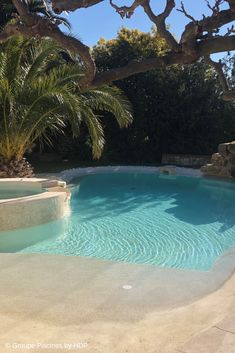 Piscina laguna - Famous Last Words Beach Entry Pool, Backyard Beach, Backyard Pool Landscaping, Backyard Pool Designs, Small Backyard Pools, Swimming Pools Backyard, Swimming Pool Designs, Outdoor Pool, Beach Pool