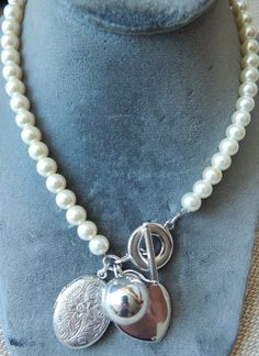 Vintage pearl necklace with sterling toggle and pendants