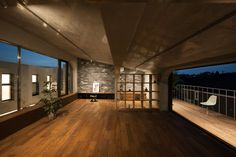 'coniwa' is a cooperative house, located in the suburb of western Tokyo.   It is consist of eleven dwellings arranged around a lush courtyard covered by a wo...