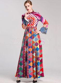 Shop Flare Sleeve Geometric Print Maxi Dress at EZPOPSY. Arab Fashion, Mod Fashion, Sporty Fashion, Fashion Women, Maxi Dress With Sleeves, Maxi Dresses, Fashion Dresses, Geometric Dress, Geometric Patterns