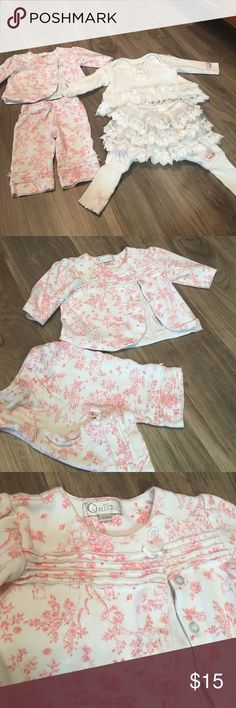 Baby naartje white ruffle outfit bundle Baby naartje super cute ruffle lace outfit set, has very light wash wear and slight discoloration around collar not noticable when wearing! Light pink script outfit set is in great condition both are adorable on! Light pink is 0-3 month white lace is 3-6 but runs a little small in my opinion Matching Sets