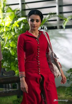 Trisha Krishnan - Trisha Krishnan Photos, Trisha Krishnan Stills Salwar Designs, Kurti Neck Designs, Blouse Designs, Dress Designs, Salwar Pattern, Kurta Patterns, Indian Dresses, Indian Outfits, Chudidhar Designs