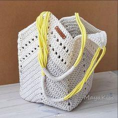 """Конкурс """"Счастливый комментарий"""" - комментируй публикации, получай призы каждую неделю! Детали конкурса читайте здесь ... Crochet Poncho, Love Crochet, Crochet Yarn, Crochet Stitches, Crochet Patterns, Afghan Patterns, Crochet Beach Bags, Crochet Market Bag, Drawstring Bag Diy"""
