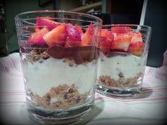 As Receitas da Patanisca: Sobremesa rápida e light de morangos - (substituir iogurte por chantilly)