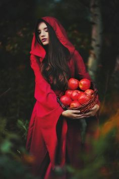 Beata Banach Surrealism Photography ~Little Red Riding Hood Foto Fantasy, Dark Fantasy, Fantasy Hair, Fantasy Photography, Photography Photos, Fairy Tale Photography, Snow White Photography, Whimsical Photography, Magical Photography