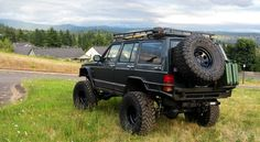 Xj - Awesome how the bumpers tie into the tube fenders..and then into the rock sliders