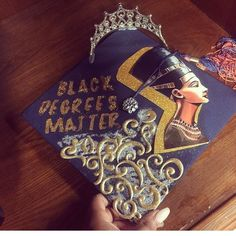 Love the concept with the queen Nefertiti Graduation Cap Designs, Graduation Cap Decoration, Graduation Pictures, College Graduation, Grad Pics, Graduation Shirts, Graduation Parties, Graduation Quotes, Black Girl Magic