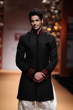 Bollywood Takes Center Stage for Manish Malhotra's Show at India Fashion Week Groom Outfit, Groom Attire, Groomsman Attire, Groom Wear, Groom Dress, Indian Man, Indian Groom, Indian Men Fashion, Mens Fashion