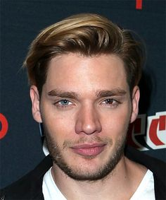 View yourself with Dominic Sherwood hairstyles and hair colors. View styling steps and see which Dominic Sherwood hairstyles suit you best. Clary Et Jace, Alec And Jace, Dominic Sherwood, Casual Hairstyles, Celebrity Hairstyles, Blonde Hairstyles, Layered Hairstyles, Braided Hairstyles, Men Hair Color