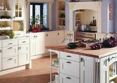 Stuning Farmhouse Kitchen Design Ideas And Remodel To Inspire Your Kitchen Cozy Kitchen, French Kitchen, Kitchen On A Budget, Kitchen Decor, Kitchen Ideas, Kitchen Designs, Vintage Kitchen, Small Country Kitchens, English Country Kitchens