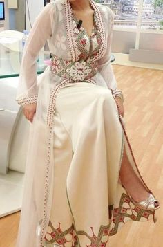 Awesome collection of Moroccan caftan abaya dresses ideas for function (20)