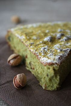 Moelleux à la pistache - Passion culinaire by Minouchka Sweet Recipes, Cake Recipes, Dessert Recipes, Vegan Recipes, Pistachio Cake, Food Tags, Köstliche Desserts, Savoury Cake, Let Them Eat Cake
