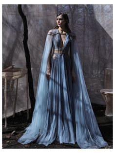 Étoile #fantasy #dress #warriors #gowns Fave dresses with warrior queen vibes? This list is heavy on Hass Idriss, but he's good at giving off those vibes. I also pulled from Tex Saverio, who designed the wedding dress for Katniss in the... Moda Medieval, Medieval Dress, Medieval Outfits, Fantasy Gowns, Fantasy Wedding Dresses, Evening Dresses, Prom Dresses, Look Fashion, Daily Fashion