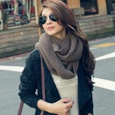 Circle Knit Scarf - I want to make one of these
