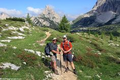 10 tips for hiking in the Dolomites >>> stunning scenery and a hike I would LOVE to do
