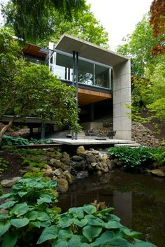 Contemporary Architecture Modern Contemporary Homes, Contemporary Architecture, Architecture Design, Hillside House, Modern Architects, Tiny House Cabin, Beautiful Buildings, Inspired Homes, House In The Woods