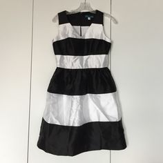 Black + White Striped Dress (WITH POCKETS) Gorgeous stripped dress, v neck a-line style, with pockets. Pim+Larkin from Piperlime. Hidden back zip. Looks great layered or alone. Perfect for all seasons. Piperlime Dresses