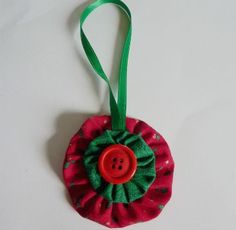 Create fun holiday yo-yo ornaments for a homemade gift for a teacher, music instructor or bus driver.  A nice sewing craft for older children to learn some basic sewing skills, even how to sew a bu…