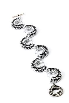 Round maille curves - Making Jewellery Magazine - Crafts Institute