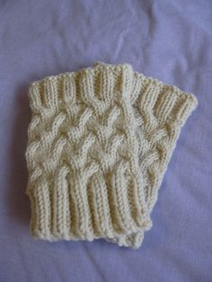 Stockinette Cable Boot Cuff By Debbie Andriulli - Free Knitted Pattern - (ravelry)