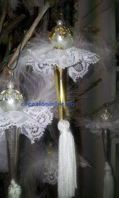 angelo natalizio con goccia oro