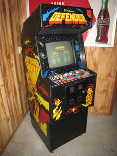 Defender arcade cabinet 80s Video Games, Vintage Video Games, Vintage Games, Arcade Console, Arcade Joystick, Retro Arcade Games, Arcade Room, Retro Images, Arcade Machine